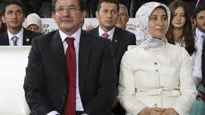 Davutoglu Accuses Erdogan of Weakening Turkey