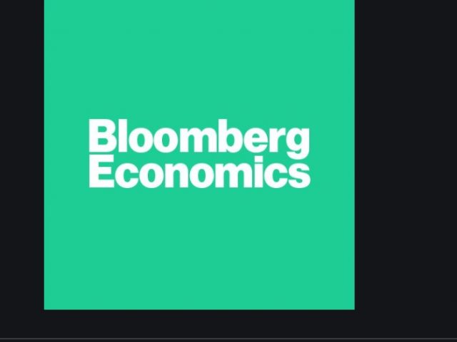Bloomberg Economics:  Slower Growth, Higher Inflation, Weaker Lira