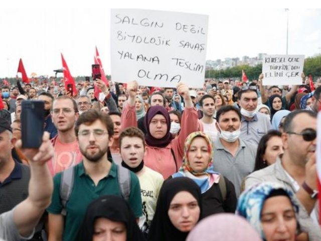 Thousands protest new Turkish vaccine and test rules