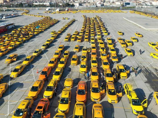 The Observer: Inside the murky world of Istanbul's taxi cartels